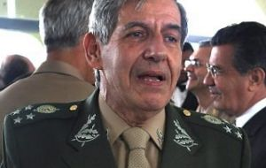 Retired General Augusto Heleno sent a strong message to Celso Amorim