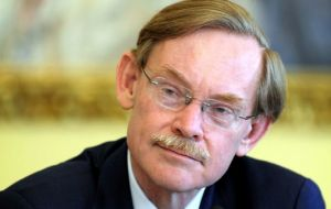 Robert Zoellick concerned with the extent of the European debt and confidence crisis