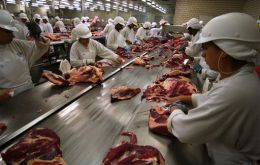 JBS blames Pilgrim Pride but analysts warn that falling meat prices could condition debt service