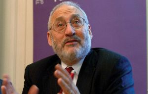 "Professor Stiglitz: ""saving the Euro will cost money, but it will cost more money if it falls apart"""