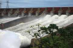 Brazil's decision to pay a fairer price for the surplus power from Itaipú was decisive