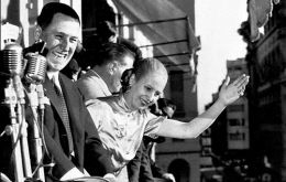 Evita and Juan Domingo Perón cheered by the crowds