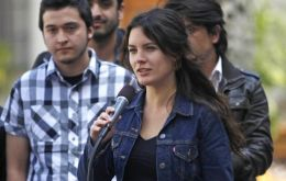 Student leader Camila Vallejo praised Saturday's talks but warned dialogue does not mean demobilization (Photo AP)