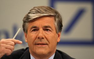 Deutsche Bank's outgoing chief executive, Josef Ackermann warns about the fragility of the EU banking system