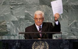 Palestinian leader Mahmoud Abbas submits his request to the UN General Assembly