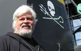 "Paul Watson promises ""Divine Wind Operation"" to save the whales from Japanese hunters"