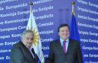 Presidents Mujica closed his European tour with a long meeting with EC chief Barroso