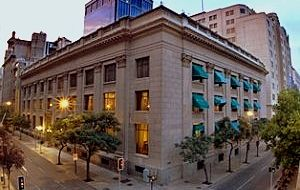 The Chilean central bank will continue with its plan to purchased dollars