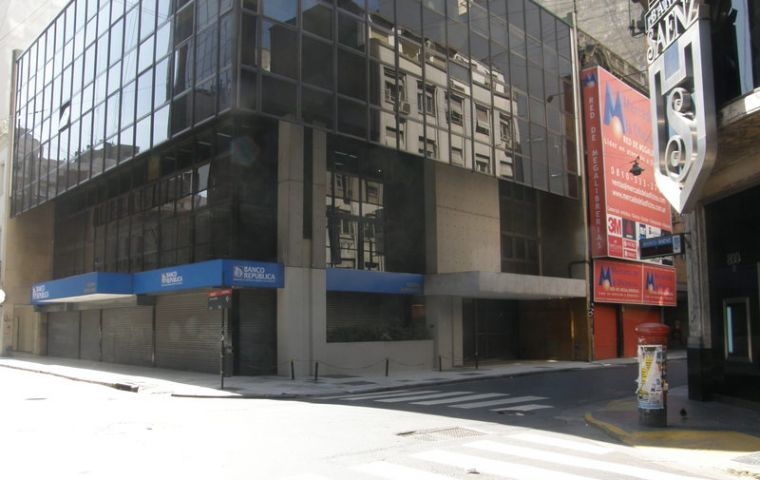 Uruguay's largest bank BROU branch in Buenos Aires