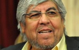 Hugo Moyano takes distance from the government and sides with the conflicting unions