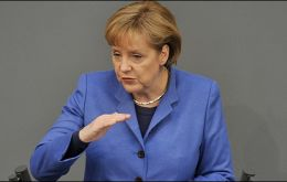 Merkel addressing the Bundestag rejects greater responsibilities for the ECB