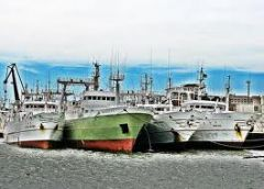 Spanish vessels docked in the port of Montevideo, after undergoing Argentine 'frisking'
