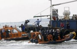 A Korean Coast Guard officer was killed this week trying to arrest a Chinese illegal vessel (Photo AFP)