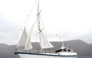 The yacht Australis sails from Chile to Antarctica with British Services expedition