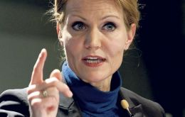 PM Helle Thorning-Schmidt wants to act as a 'bridge' between Euro and non Euro members