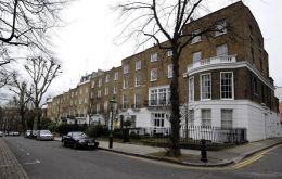 The square near Kensington Palace has topped a survey of house prices<br />