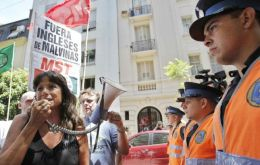 Radicals are calling for Argentina to break off relations with the UK