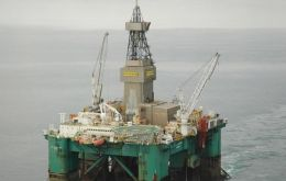 Leiv Eiriksson oil exploration rig has reached Falklands' waters