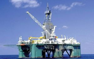 The second round of oil exploration in the Falklands has started with the arrival of the Leiv Eiriksson rig