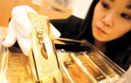 Total demand for gold in China in 2011 rose 20% to 769.8 tons compared to India's 933.4 tons