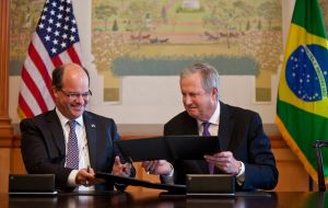 Embraer president  Frederico Curado and CEO Jim Albaugh following the meeting at the White House