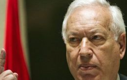 """Breaking the rules comes with a cost"", said Foreign Minister Garcia-Margallo"