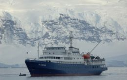 MV Plancius in South Georgia will have to be towed back for repairs