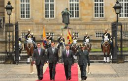 President Santos extended the red carpet to the Spanish leader  (Photo:Pres. Colombia)