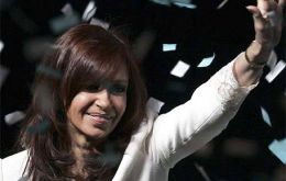 "Argentina ""follows strong leaders"" and CFK ""should remain in the helm"""