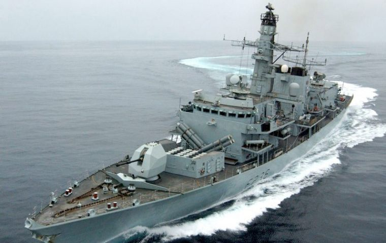 HMS Montrose in the high seas (Courtesy of the Royal Navy http://www.royalnavy.mod.uk)