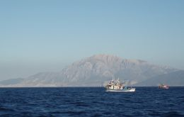 The conflict refers to the incursion of Spanish fishing vessels in Gibraltar