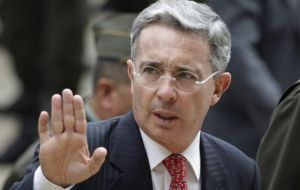 The bomb was timed to go off during the cocktail following Uribe's conference to the Argentine business community