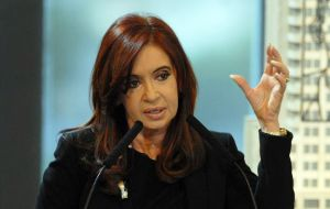 CFK promises counter-cyclical measures to keep jobs and help manufacturing