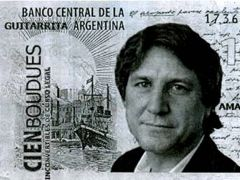 The Boudou bills distributed by protestors along the streets and plazas of Buenos Aires .
