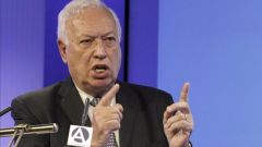 "Garcia-Margallo: ""it is evident that vessels from both flags must use"" the disputed waters"