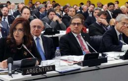 A numerous delegation accompanied the Argentine president at her presentation before the C24 claiming the Falklands