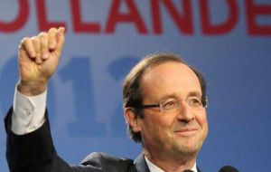 A victorious Hollande with undisputed support travels to Mexico for the G20