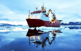 The Royal navy Ice patrol went 1.300 km south of Cape Horn