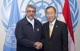 Ban Ki-moon with Fernando Lugo on 21 September 2011.
