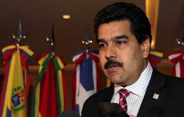 Allegedly Maduro met with the top Paraguayan military and demanded they support Lugo