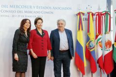 The three presidents after announcing suspension of Paraguay and incorporation of Venezuela