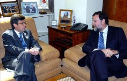 IDB president Luis Alberto Moreno and the Spanish leader Mariano Rajoy (Photo File)