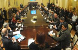 Anti-Moyano union leaders meet with Cristina Fernandez