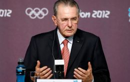 IOC president Jacques Rogge satisfied following contacts with Argentine government and Olympic committee