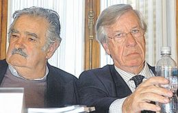 The incorporation procedure has Uruguay's Mujica and Astori in opposite positions