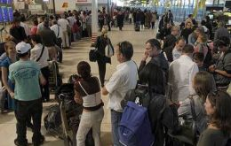 Long queues at airports since Federal Police are in charge of passport checking