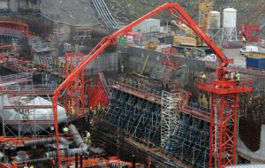 Sixty-two reactors are under construction, in addition to the 435 units now in operation