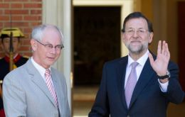 PM Rajoy met with European Council president Van Rompuy (L)