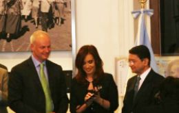 The UNWTO delegation presents the Argentine president the Open Letter addressed to global leaders