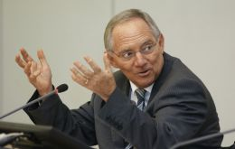 "Minister Schaeuble: with the bigger systematically relevant banks, ""there is a chance"""